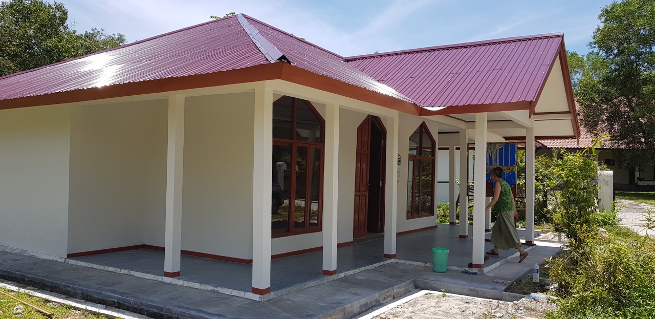 Built more than 15 years ago, the Kalimantan Library has become a second home to most of the children around the community center.